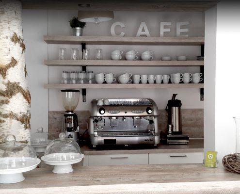 Die neue Theke im Café Wunderbar in Fulda